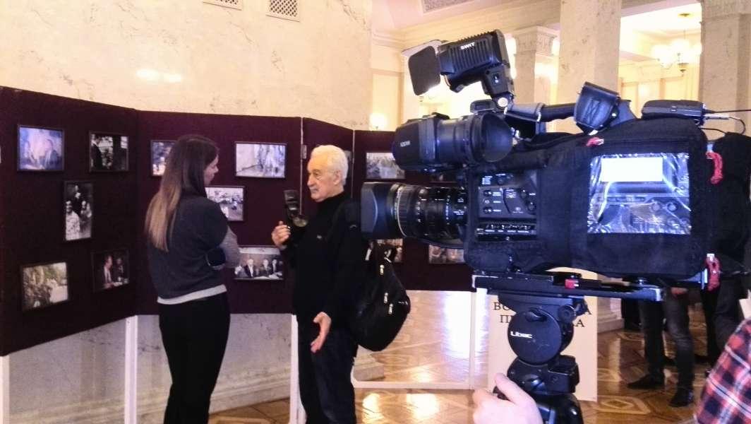 Відкрилася фотовиставка «Вячеслав Чорновіл та журналісти»