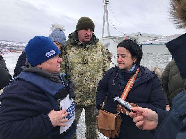 «Розраховуємо, що партнери України по нормандському формату під час переговорів із ОБСЄ та РФ займатимуть жорсткішу позицію щодо відкриття КПВВ «Золоте», - І.Геращенко