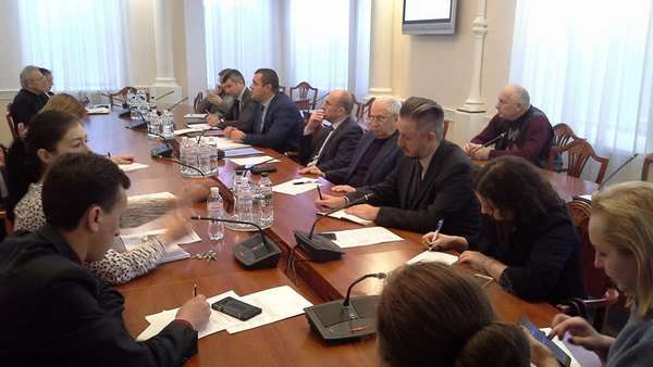 """У Комітеті з питань будівництва, містобудування і житлово-комунального господарства відбувся круглий стіл: """"Перспективи розвитку будівництва доступного житла в Україні"""""""