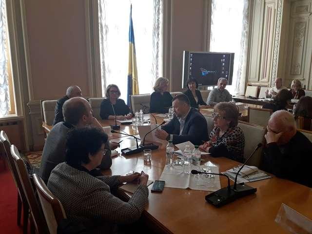 """Комітет з питань охорони здоров'я провів круглий стіл на тему: """"Напрями розвитку системи організації стоматологічної допомоги в Україні"""""""