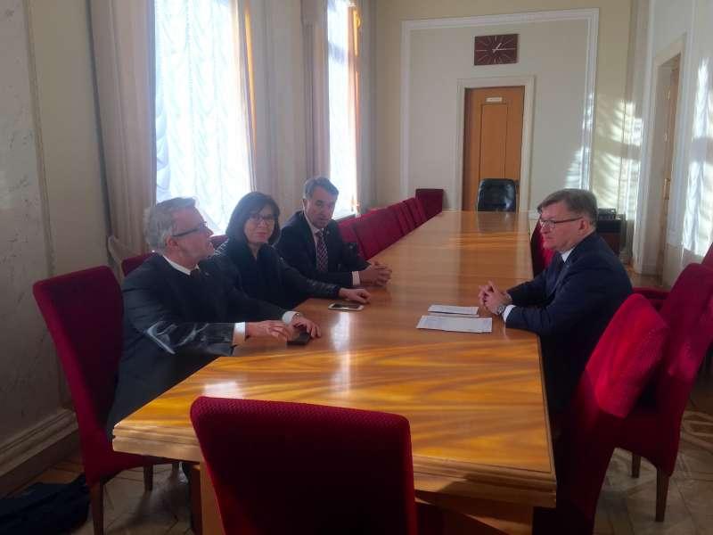 Голова Комітету з прав людини Григорій Немиря провів зустріч з представника ...