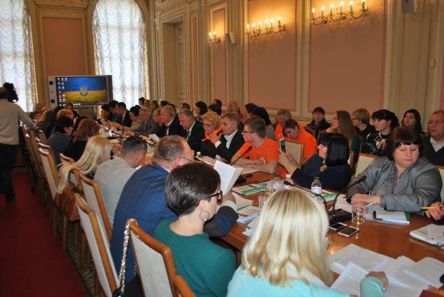 Комітет з питань сім'ї, молодіжної політики, спорту та туризму провів слухання, присвячені проблемам безпеки дітей