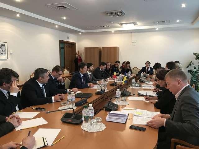 Члени Комітету у закордонних справах провели зустріч делегацією парламенту Румунії