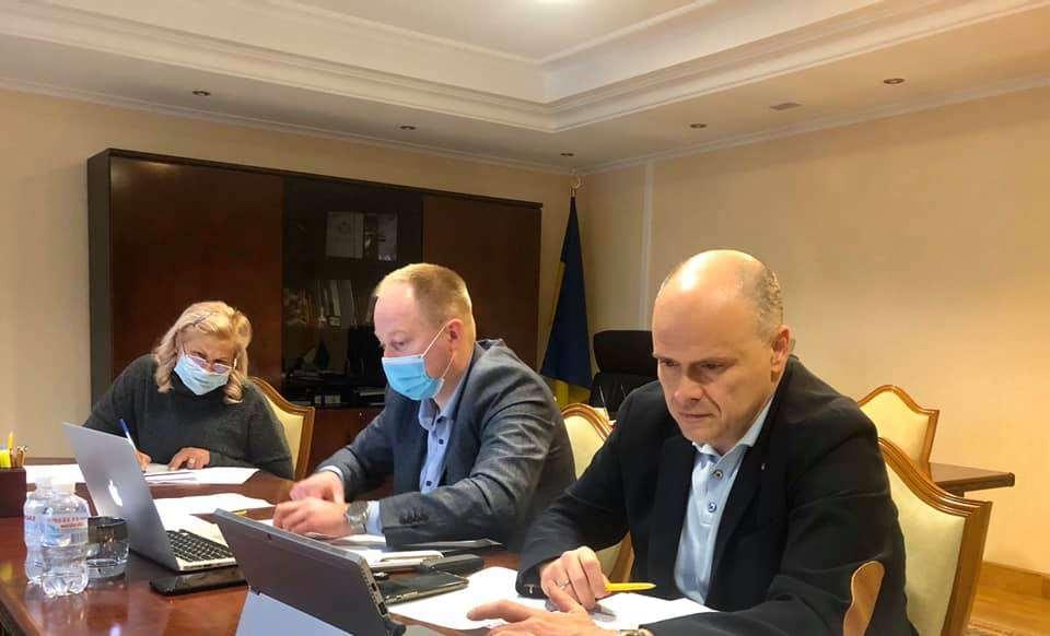 Комітет з питань здоров'я нації, медичної допомоги та медичного страхування рекомендував Верховній Раді України прийняти закон щодо підвищення соціального захисту медиків