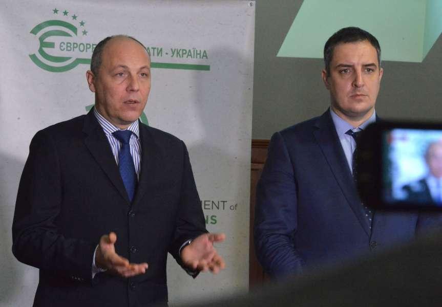Голова Верховної Ради Андрій Парубій наголошує, що жодних змін до сьомої статті Закону про освіту вноситись не будуть